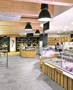 Foto Bauernstadl – Regionalmarkt – Genussküche – Vinothek